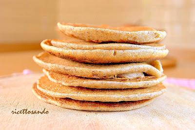 Bliny di grano saraceno con salmone e uova di lompo ricetta antipasti per le feste