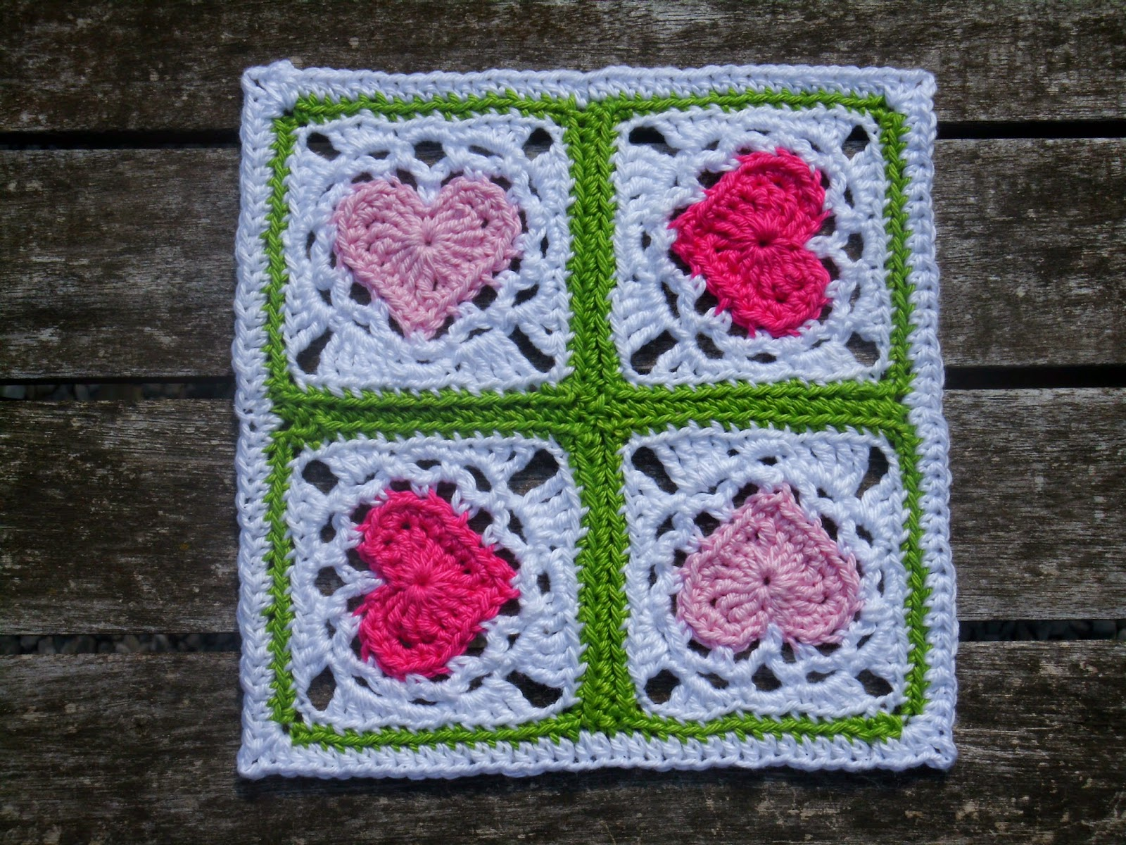 Häkeln, stricken und alles was Spaß macht!: Vier-Herzchen - Granny ...