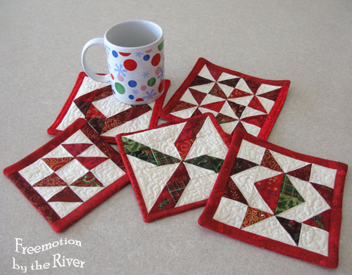 Christmas mug rugs @Freemotion by the River