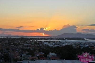 Pôr do sol no Morro da Guia em Cabo Frio