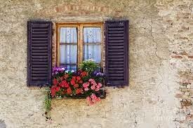 jardineras en balcones y ventanas