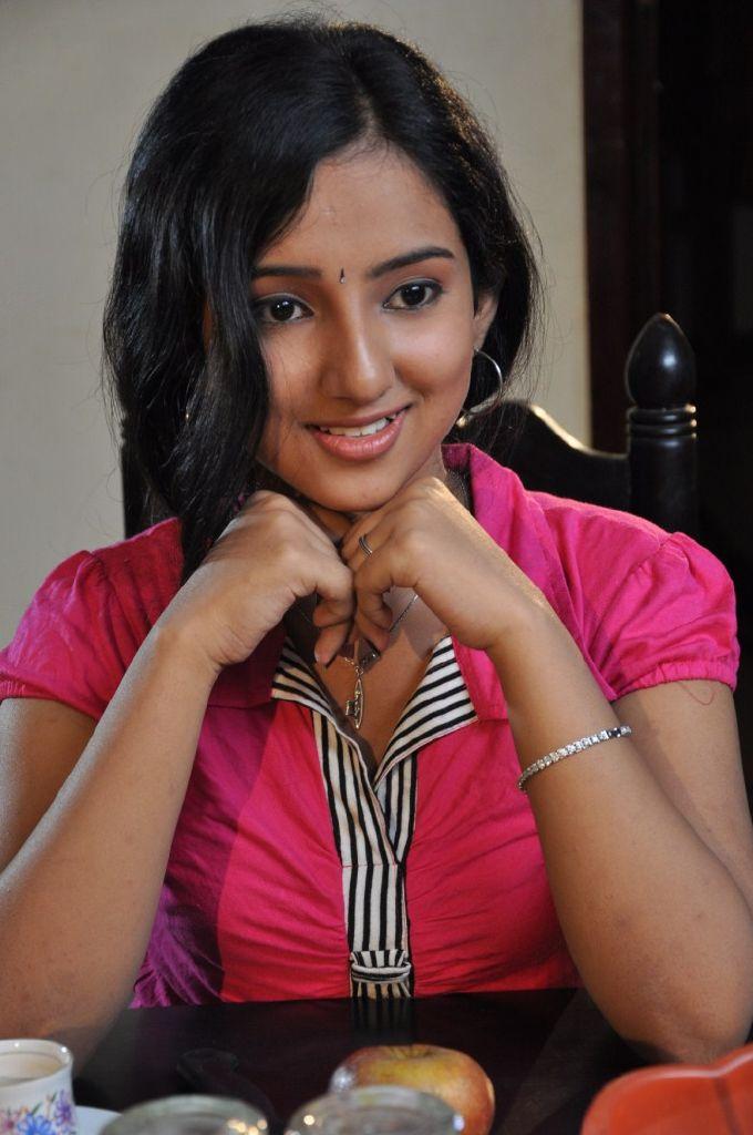 Leema Tamil Actress Cute Stills