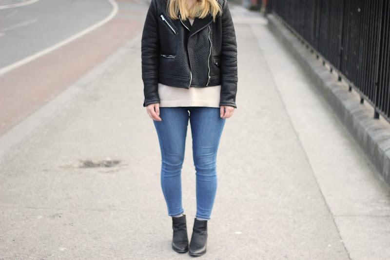 Topshop Jamie Jeans, Latest Lil, ASOS pony hair pointed boots, biker jacket, mango biker jacket, leather jacket, black fedora, irish street style, street style, street style, casual street style, blue jeans, fashion blogger, dublin street style
