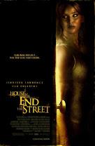 La casa al final de la calle<br><span class='font12 dBlock'><i>(House at the End of the Street)</i></span>