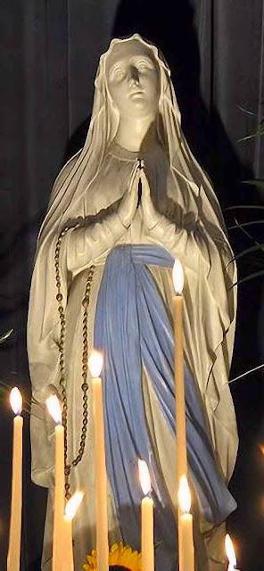 Nossa Senhora de Lourdes, igreja da Madelaine, Paris