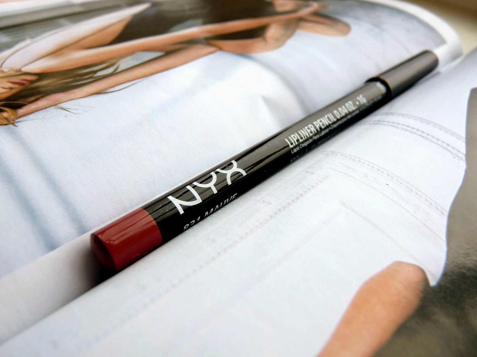 NYX lip liner mauve review swatch swatches kylie jenner lips