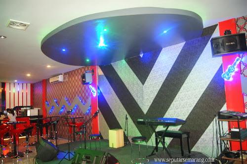 Love U Cafe Semarang Atas