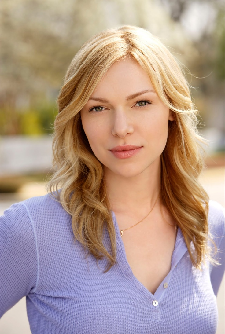 Hearing is not limited - Laura Prepon (Donna Pinciotti ♥)