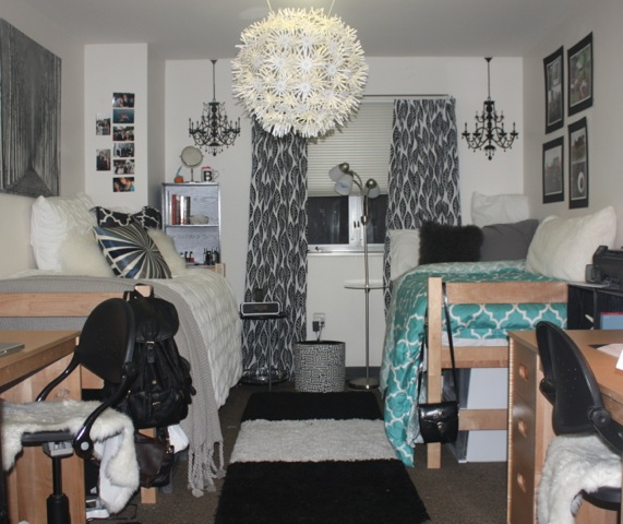 Carly, A College Freshman At George Washington University In Washington  D.C. Sent Me Photos Of Her And Her Roommateu0027s Modern Chic Dorm!