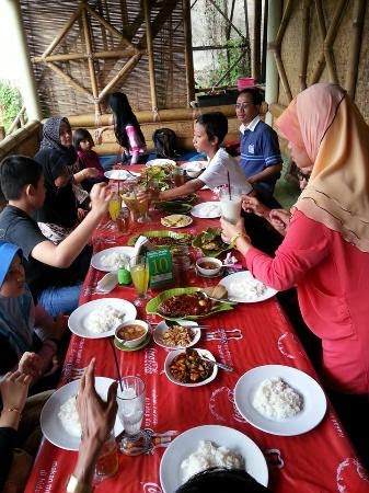 Saung Andir