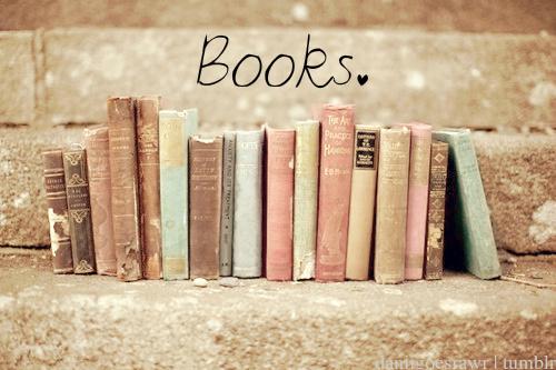 livros em pilha