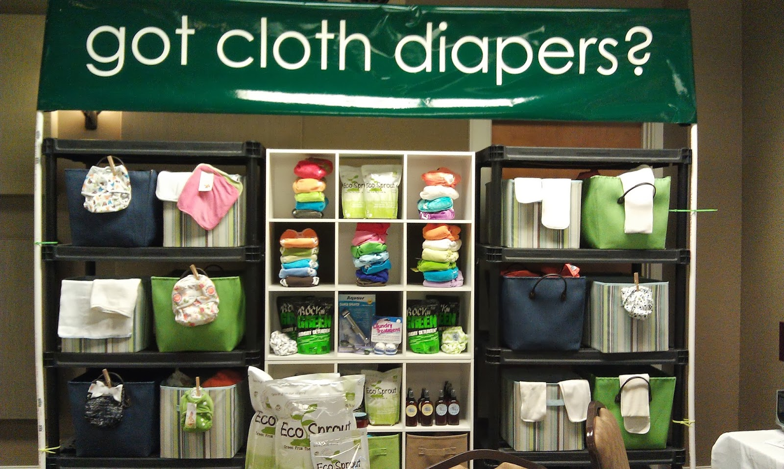 http://greendiaperdemos.com/FREE-Cloth-Diapering-101-Classes-23.html