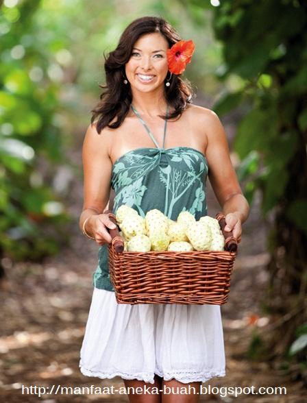 manfaat buah mengkudu untuk kulit