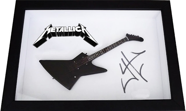 Mini Guitarra Metallica