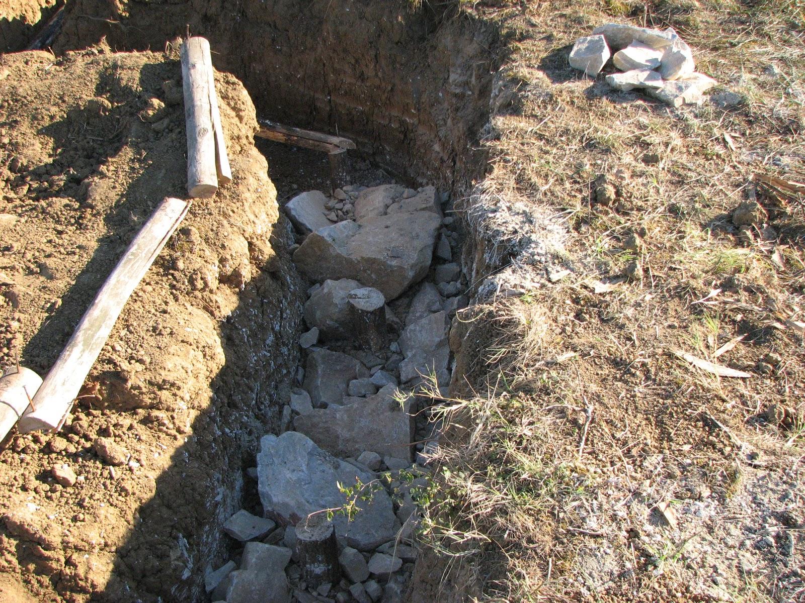le bauge construction cologique en terre fondations en b ton romain natural foundations. Black Bedroom Furniture Sets. Home Design Ideas