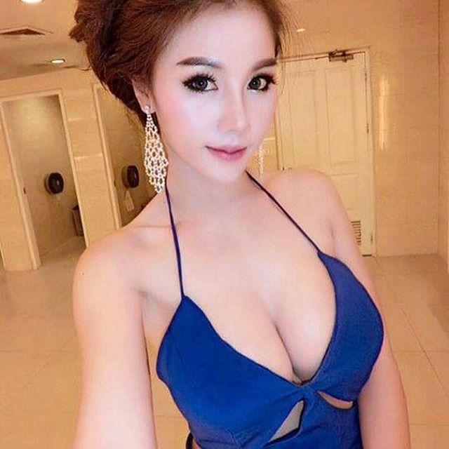 beautiful girls photo sexy asian boobs