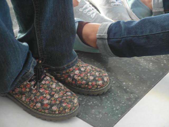 fasyen kasut bunga-bunga