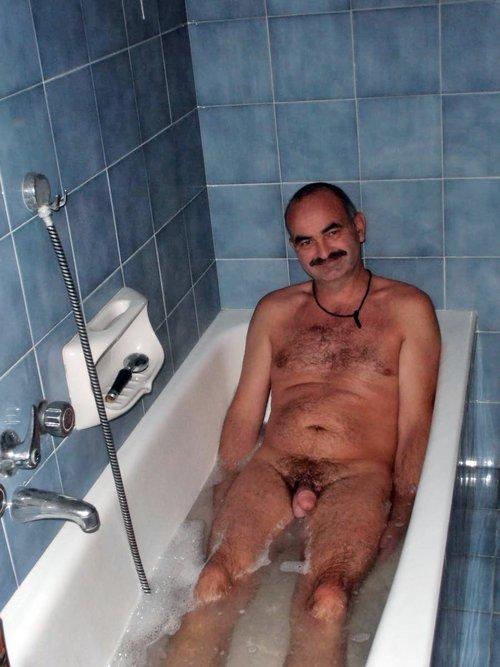 naked mature guys pics