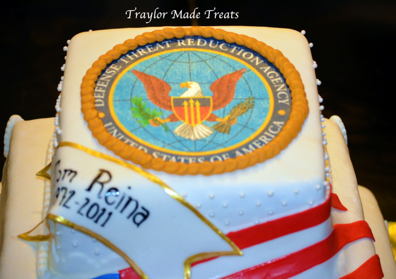 Army Retirement Cake Images : Traylor Made Treats: Military Retirement Cake