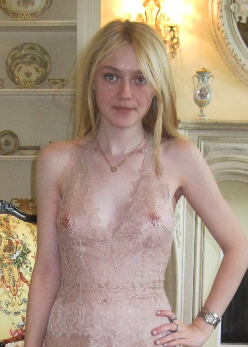 dakota fanning naked