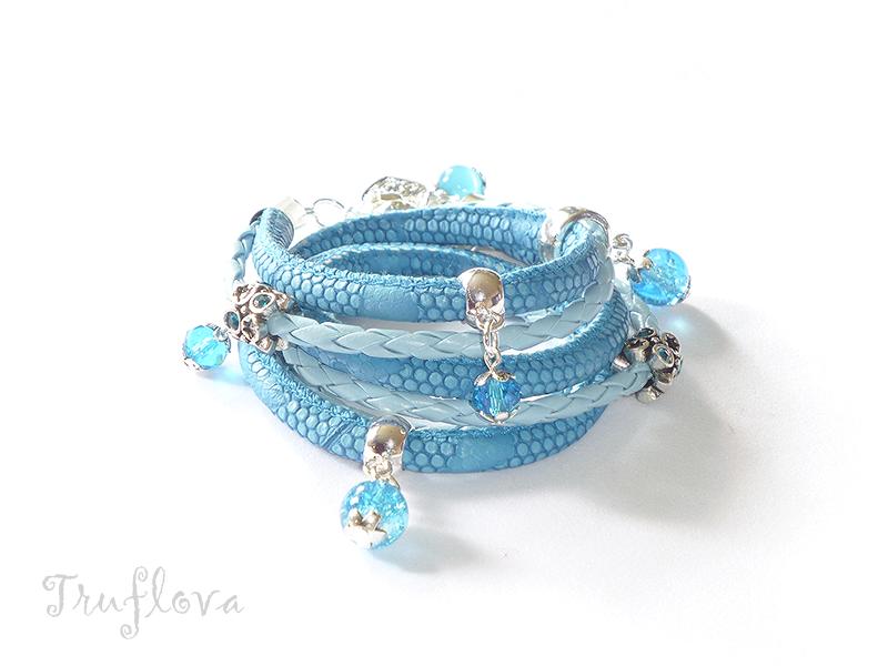 Niebieska z kamieniami