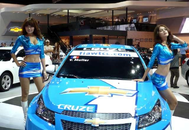 cars and girls 2011. beautiful girls on 2011
