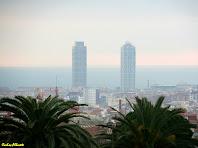 Zoom a les Torres Mapfre i Hotel Arts des de l'Avinguda de la Mare de Déu de Montserrat. Autor: Carlos Albacete