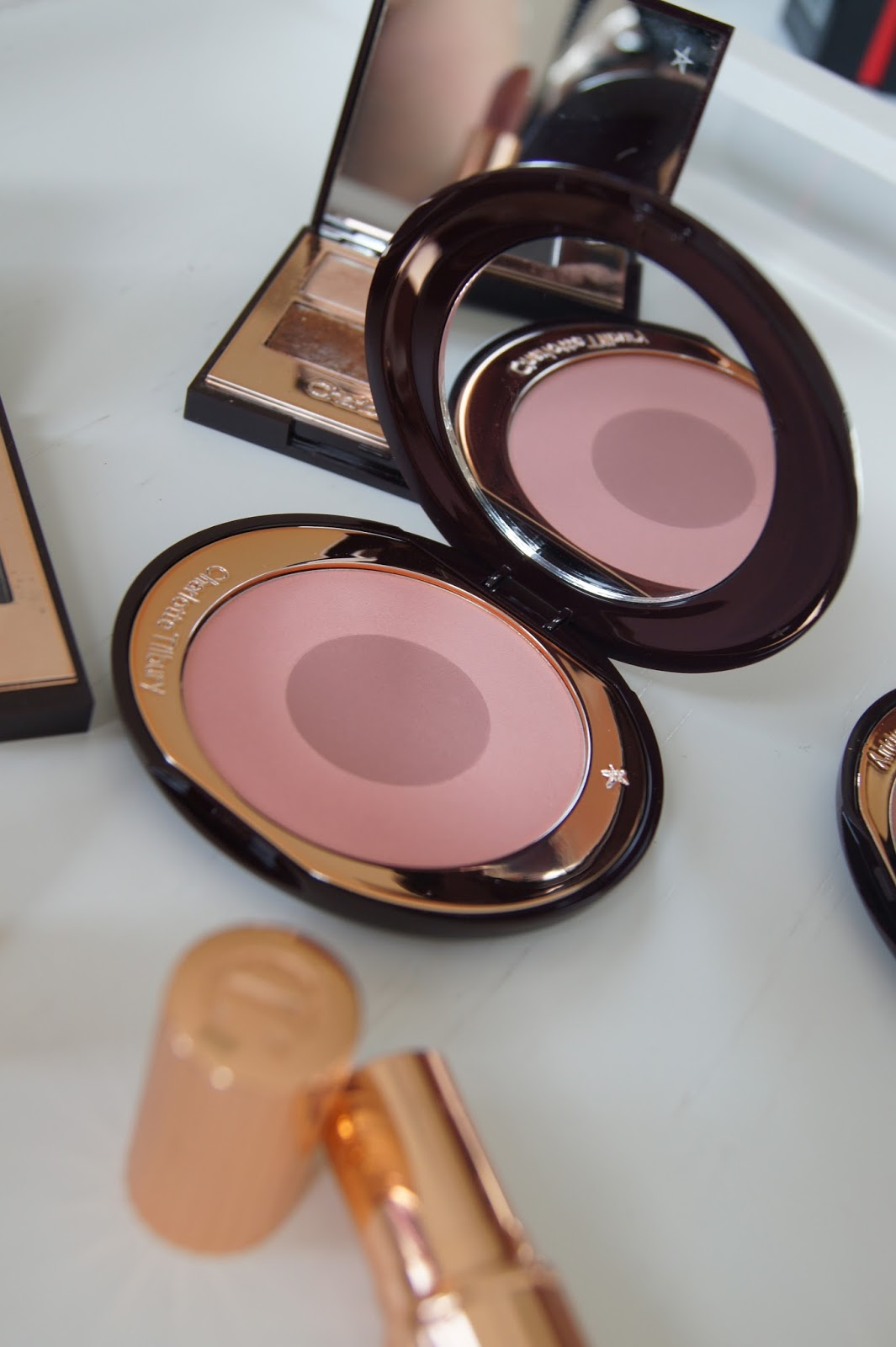 Charlotte Tilbury Cheek to Chic Swish and Pop blush in Sex on Fire review