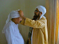 [Habib Luthfi bin Yahya] Ambil dan Makanlah walau Sebutir Nasi yang Jatuh