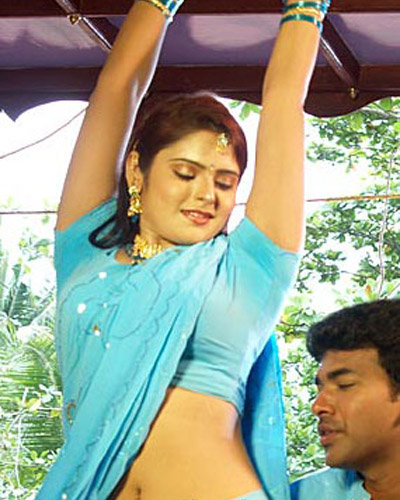 Mallu Actress Hot and Spicy Navel Shows | HOT MALLU AUNTIES