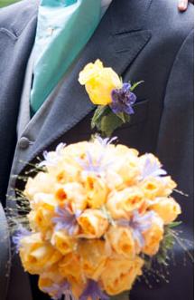 mariage en liberty turquoise lit de vin et jaune