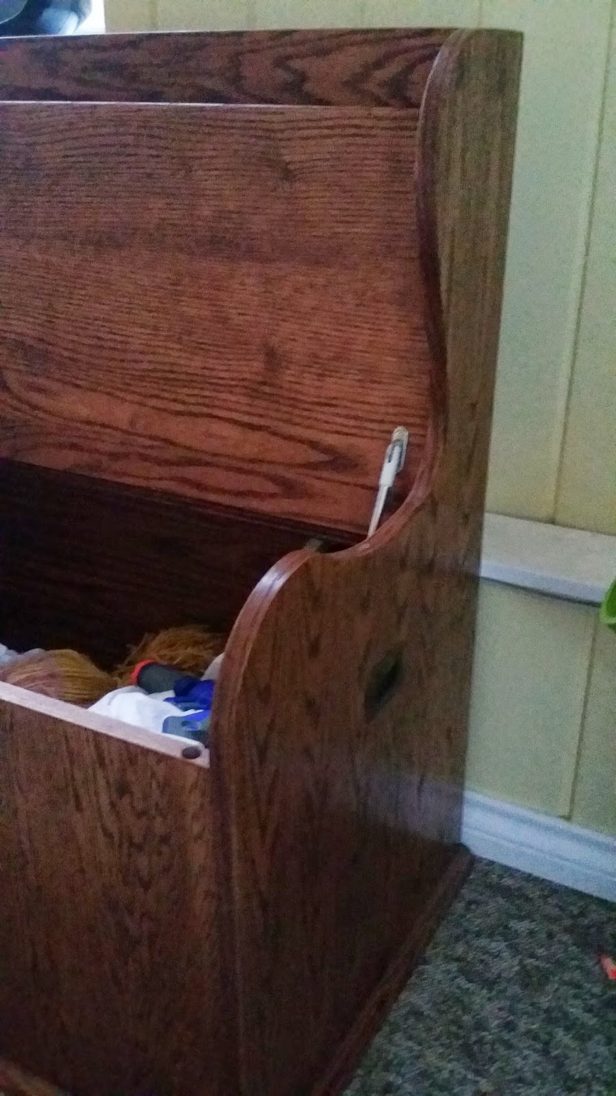 This toy box was built with solid oak pieces as well as 3/4  oak plywood. It has a u0027red mahoganyu0027 stain and the hardware is from Lee Valley (hinges ... & Toy Box - COOKSLEYSFURNITURE.CA Aboutintivar.Com