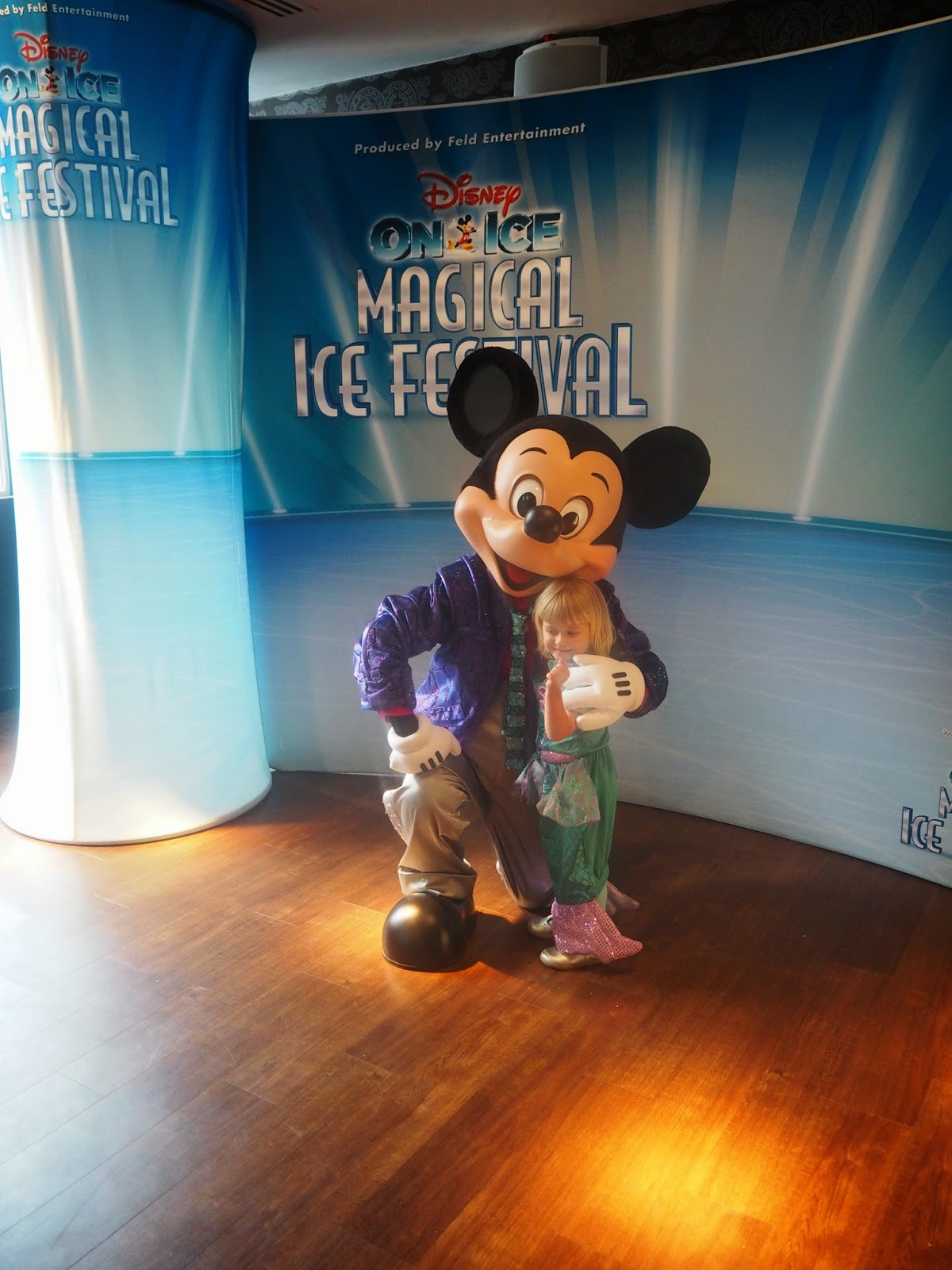mamasVIb | V. I. BASH: 10 reasons why you should not miss Disney on Ice - Magical Ice Festival | disney on ice | magical ice festival | disney | ice skating | frozen | figure skaters | wmbely arena | press event | mama VIb | dishy on ice | skating | mickey mouse | meet and great | celebrity | red carpet | disney characters | anna dan elsa from frozen | kids event | nights out for kids | lonodn | event for children | days out