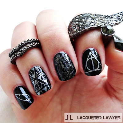 Harry Potter - Deathly Hallows Nail Art