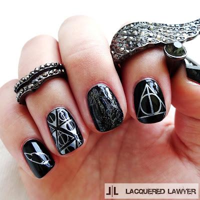Harry Potter - Deathly Hallows Nail Art