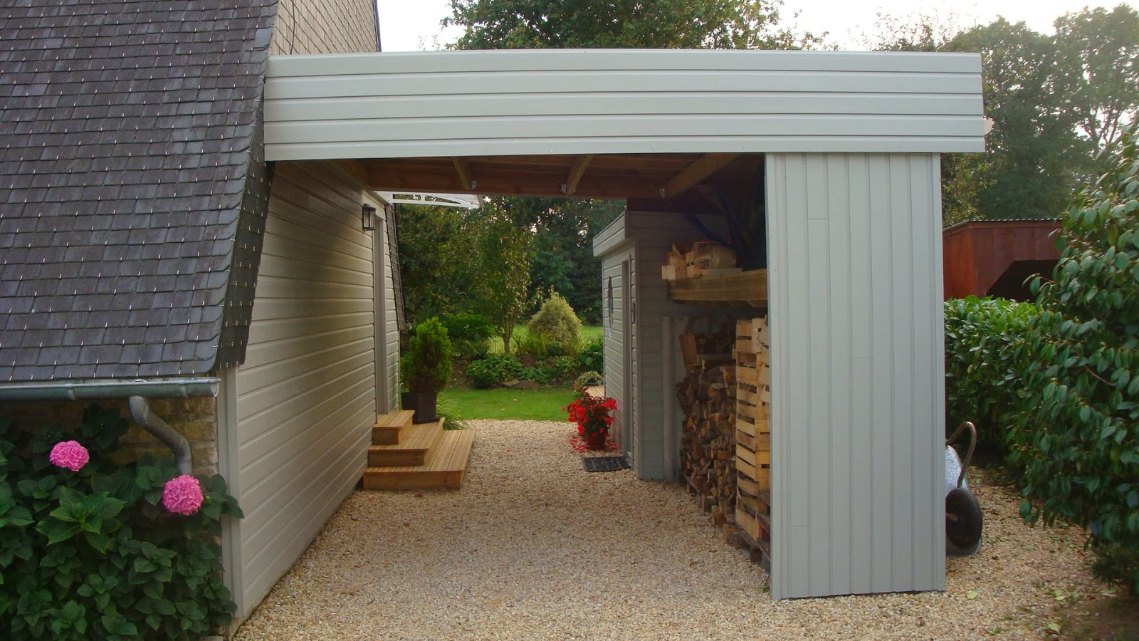 Michel le coz agencement d coration ext rieur car port for Agencement terrasse jardin