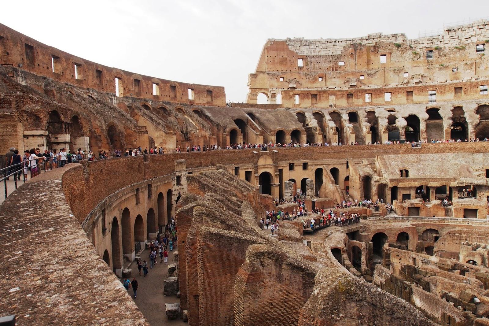 Where is FatBoy ?: Rome : Colosseum, Roman Forum ...