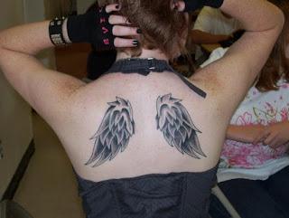 tatto de asas gotica