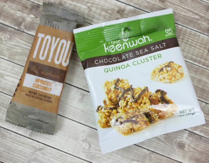 Toyou Apricot Coconut Bar Keenwah Chocolate Sea Salt Quinoa Clusters (1oz bag)