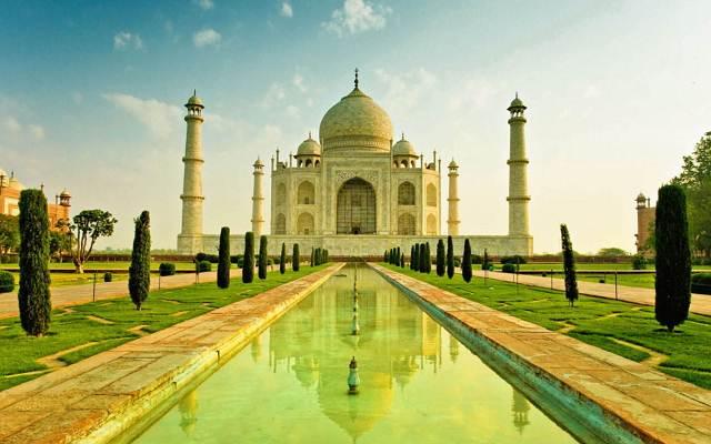 Taj Mahal mendorong ekonomi india