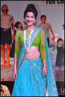 Madhurima Pictures in Saree at Pionate Foundation Fashion Show  0008.jpg