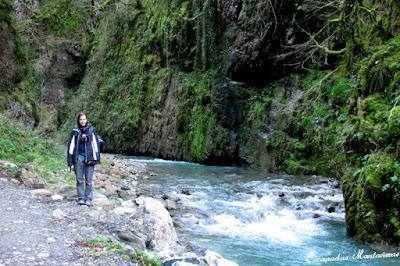 Vistas del Río de las Gorges de Kakouetta.