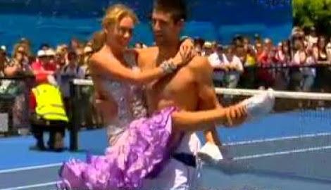 smešne slike: Novak Đoković ples nakon teniskog meča