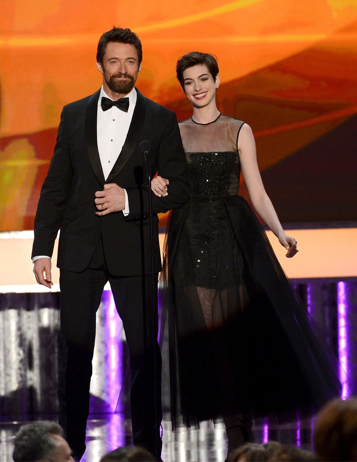 http://3.bp.blogspot.com/-IrjaiLyIltY/UQZ6Ix8Nr3I/AAAAAAABTFA/T6TDZBZGEhA/s1600/Anne_Hathaway-Hugh_Jackman-19th_Annual_Screen_Actors_Guild_Awards-1_27_2013-001.jpg