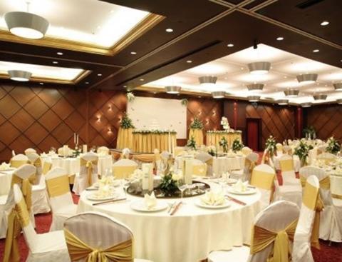 khách sạn tiệc cưới new world