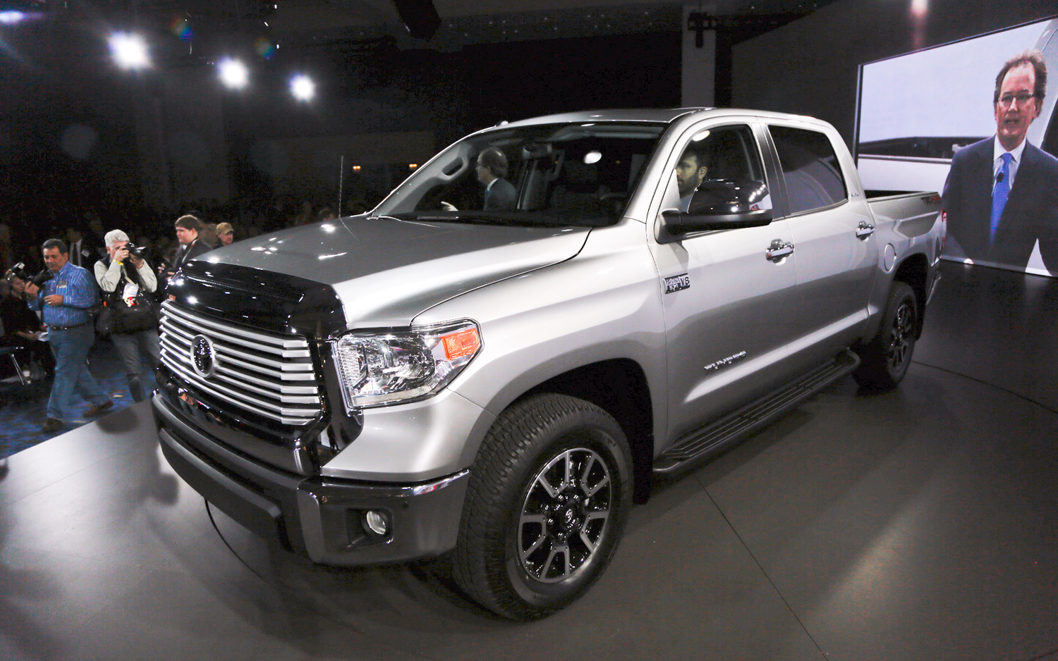 2014 toyota tundra new cars reviews. Black Bedroom Furniture Sets. Home Design Ideas