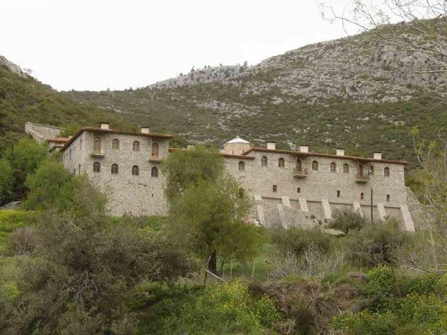 Αφιέρωμα στην Ιερά Μονή Οσίου Σεραφείμ Δομβούς