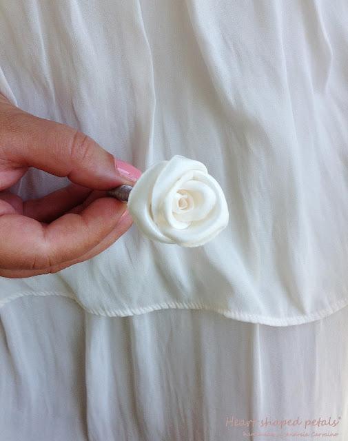 Flores de lapela com brilhante