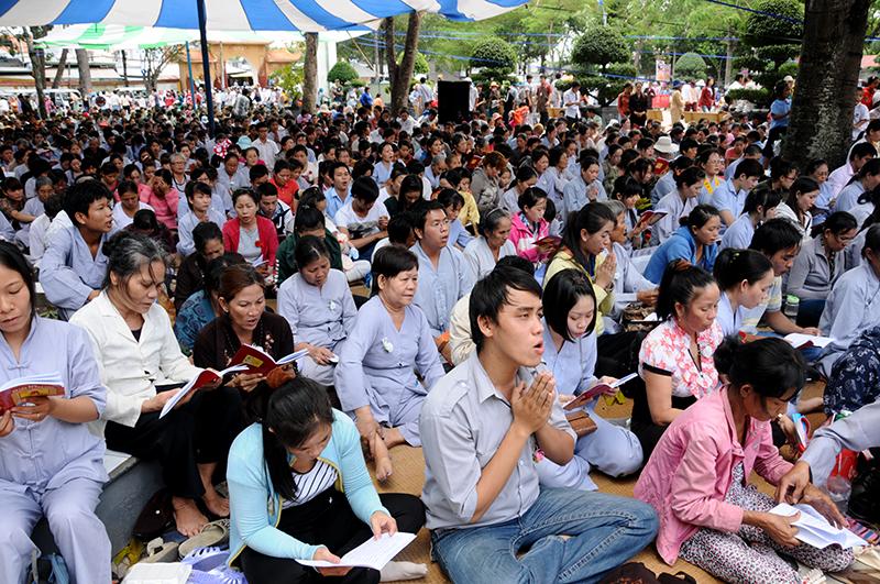 Hàng nghìn người dự lễ Vu lan tại chùa lớn nhất Sài Gòn