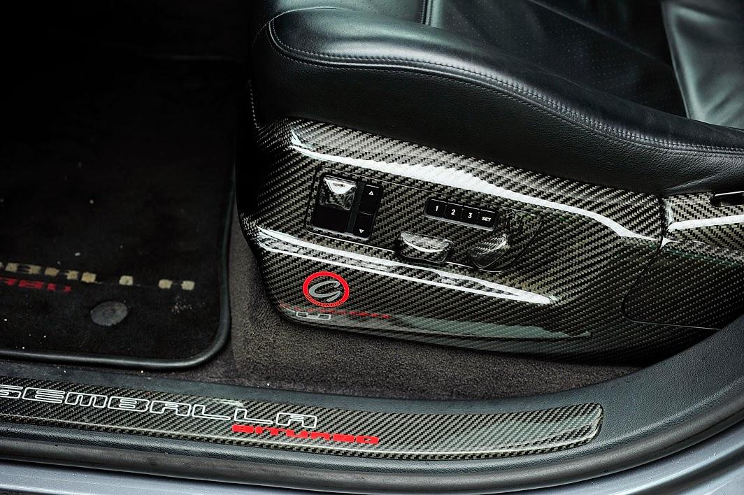 オプション955スポーツシートのその下のパネルをカスタム